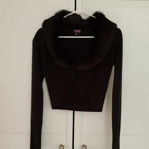Black sweater with faux fur. Size Sma